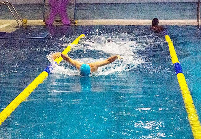 Clases de natación para niños, escuela