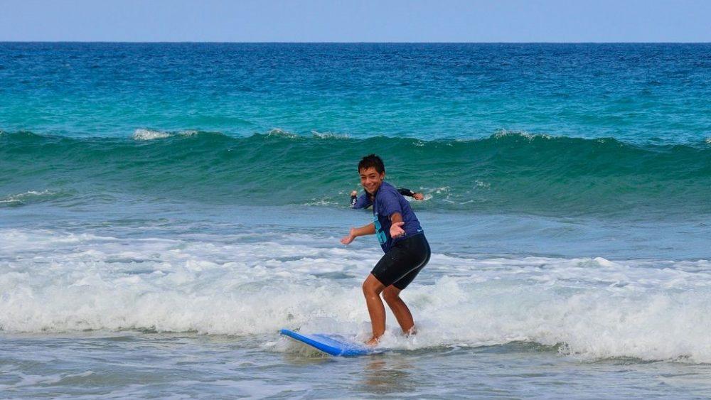 surf deporte verano
